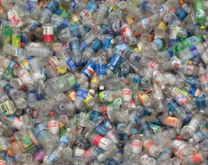 plastic-thrash-bottles-www.monoscope.com_
