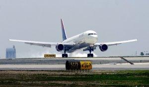 delta1028-landing